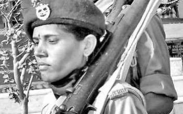 नक्सली रह चुकी इस महिला की कहानी उन लोगों के लिए सीख है जो हथियार उठाने के लिए बेताब हैं
