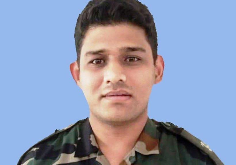 Major Chitresh Singh Bisht pulwama attack naushera sector rajouri