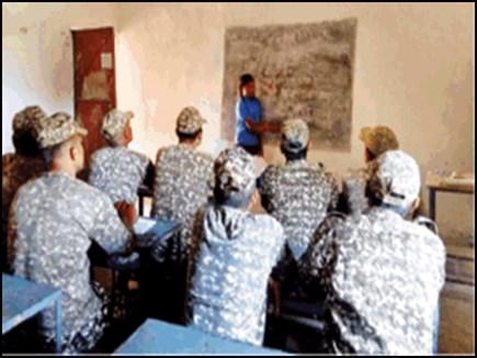 itbp jawans learning halbi from children