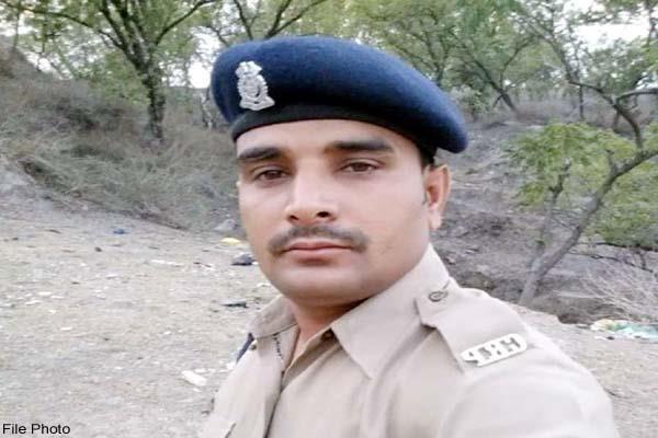 Pulwama Attack: 22 दिन के बेटे का नामकरण भी नहीं कर पाए शहीद तिलकराज