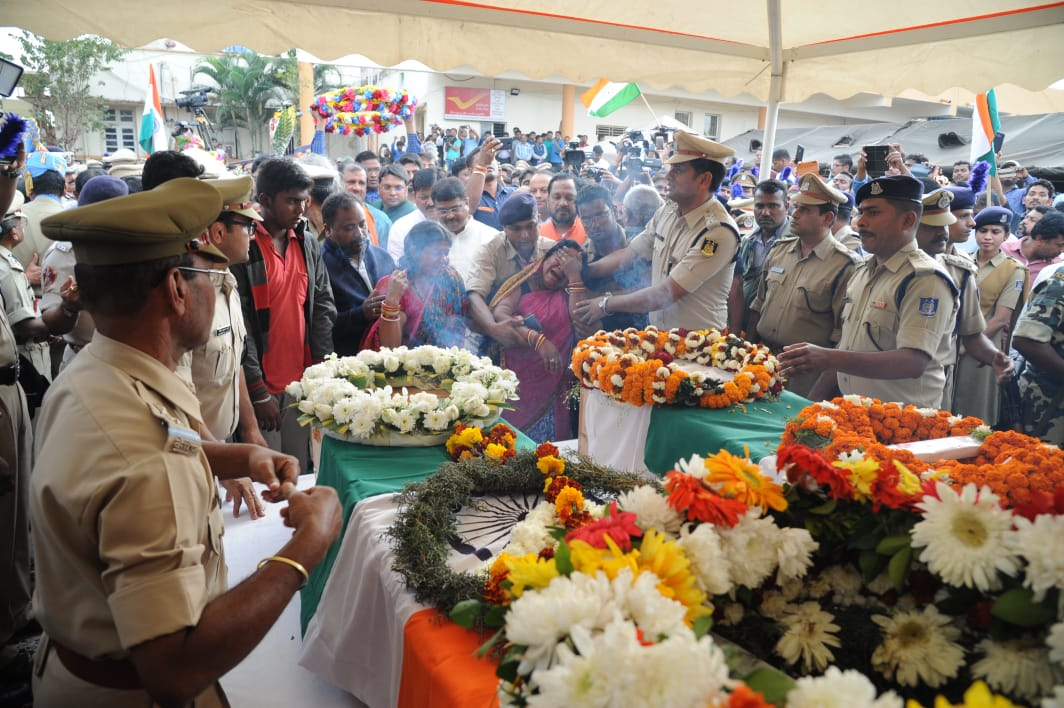pulwama martyrs from odisha manoj kumar and prasanna sahoo