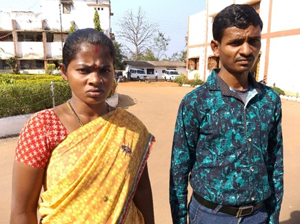 naxal_couple surrendered after getting tortured