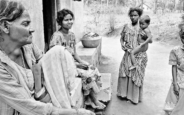 नक्सली कहर के चलते बेघर हुए 29 परिवार, 15 साल बाद हुई घर वापसी