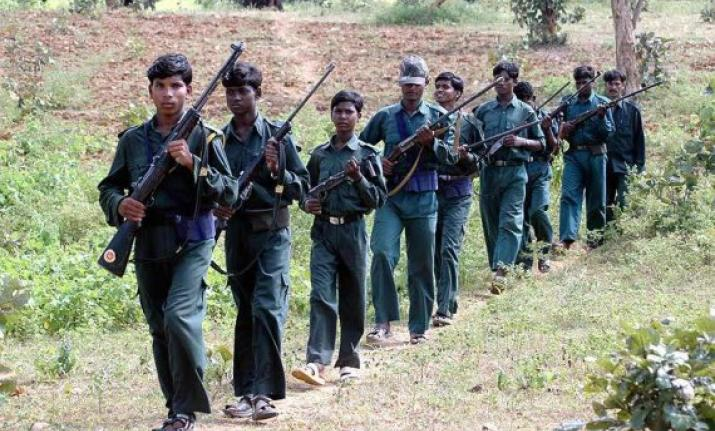 अगवा एसआई और शिक्षक नक्सली चंगुल से रिहा, माओवादियों ने सोमवार को किया था अपहरण, Naxal, Bastar Naxal, kidnap SI and Teacher, Crime, Dantewada District, Dantewada Police, CG Police, naxalite insurgencies, naxalites in India, naxalites in Chhattisgarh