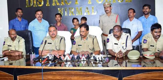 naxal commander couple surrendered, chattisgarh, adilabad, naxal dalam, naxal area, naxal,