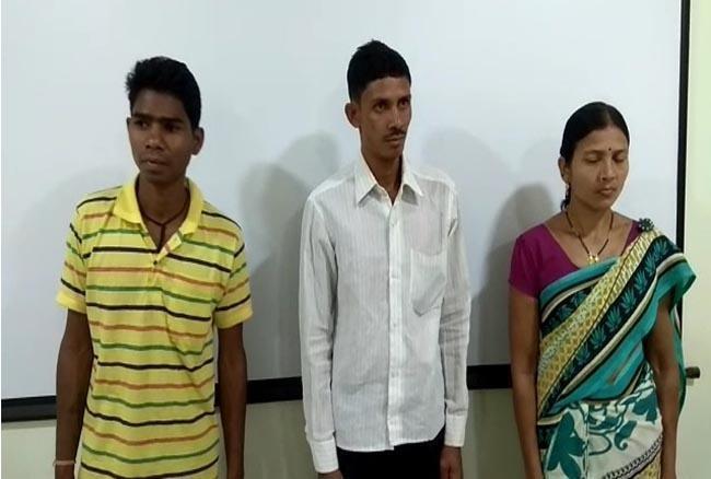 Chhattisgarh :  3 खूंखार नक्सलियों ने डाले हथियार, 6 लाख रुपए का था इनाम