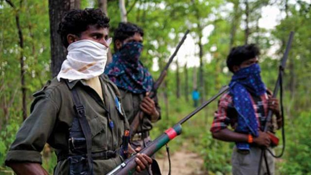 झारखंड के गिरिडीह में सुरक्षाबलों ने 3 नक्सलियों को मार गिराया, मुठभेड़ में एक जवान शहीद