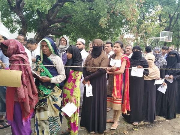 Lok Sabha Election 2019: बंगाल में धमाकेदार वोटिंग, घाटी में भी तेज गति से मतदान