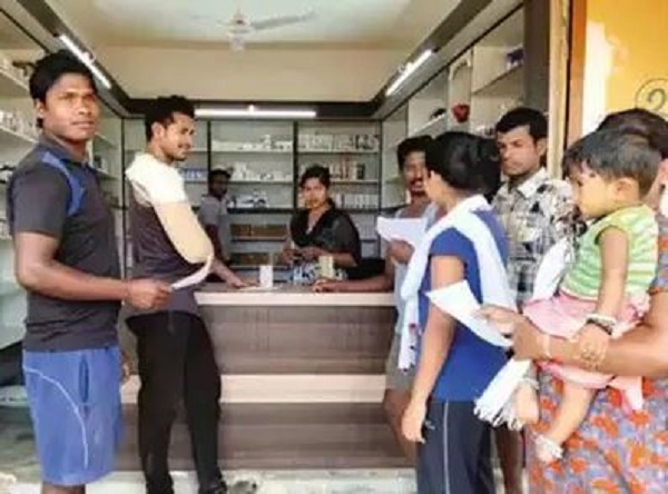 tribal girl opens medical store in naxal hit area, naxal hit area, tribal girl, tribal, Chhattisgarh, sirf sach, sirfsach.in
