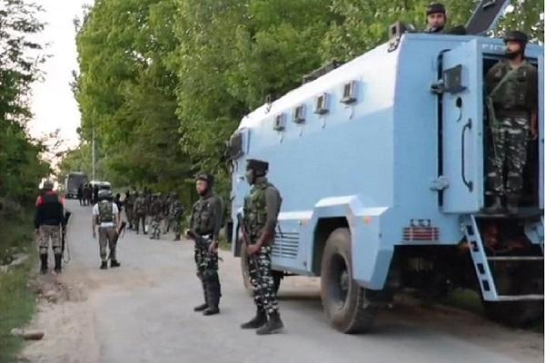 कश्मीर में सुरक्षाबलों को बड़ी कामयाबी, शोपियां में मार गिराए दो आतंकी