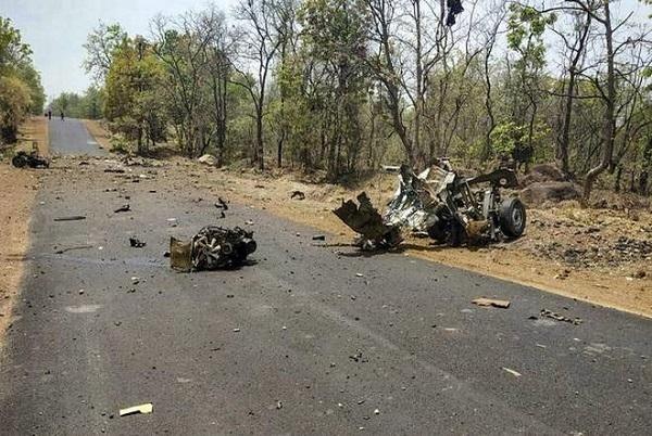 गढ़चिरौली हमला: गांव में मसाला मांगने घुसे थे नक्सली, पढ़िए हमले से पहले की पूरी कहानी…