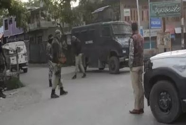 kulgam, kulgam encounter, J&K, Indian Army, Hizbul Mujahideen, Srinagar, sirfsach.in, sirf sach