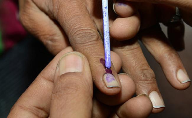 Lok Sabha Election 2019: पांचवें चरण का मतदान संपन्न, राजनाथ, सोनिया, राहुल व स्मृति की किस्मत EVM में कैद