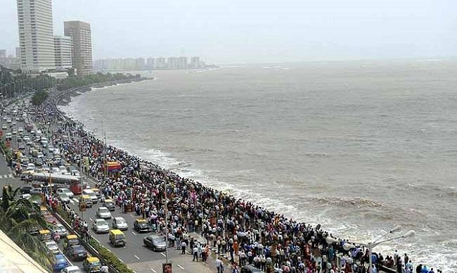 मुंबई हाई अलर्ट पर, समुद्र के रास्ते आतंकियों के घुसपैठ की आशंका