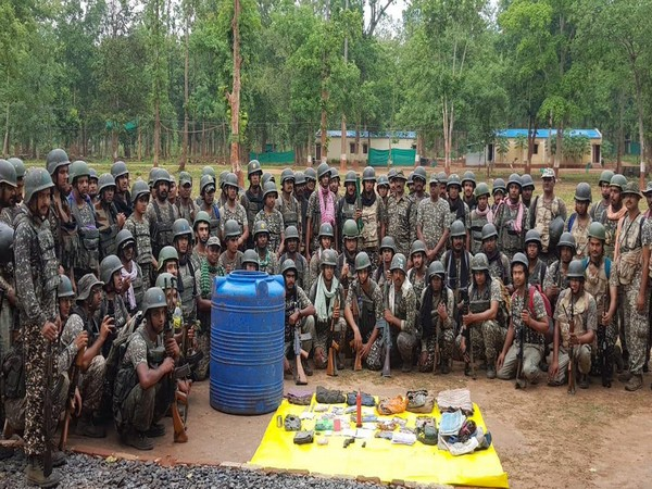 ITBP, search operation, busted naxal hideout, Kondagaon, naxal, Chhattisgarh, weapon, Pistol, explosive, IED, ammunition, sirf sach, sirfsach.in