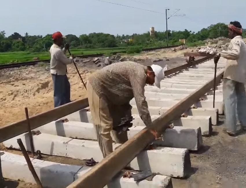 बस्तर में दौड़ेगी ट्रेन, पहली बार कमांडो करेंगे रेल परियोजना की निगरानी