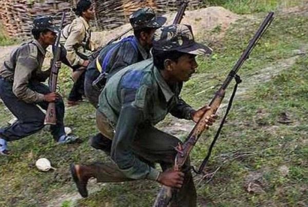 naxal, naxal attack, Sonua, naxal attack on block sub head house, naxalite attack house, naxals burnt car, jharkhand naxal, pashchim singhbhoom, sirf sach, sirfsach.in