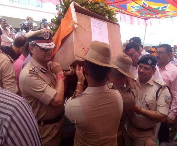 सरायकेला नक्सली हमला: जिंदादिल मनोधन की शहादत पर रो पड़ा पूरा गांव