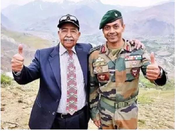 Kargil Vijay Diwas 2019: जब बाप-बेटे की जोड़ी ने लड़ाई में पाकिस्तानियों के छुड़ा दिए छक्के….