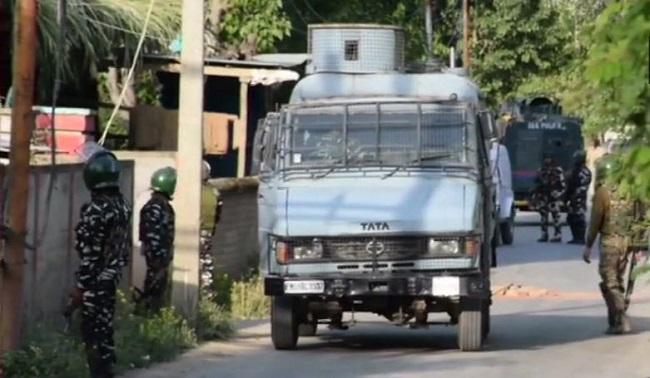 जम्मू-कश्मीर: बडगाम मुठभेड़ में सुरक्षाबलों ने एक आतंकी को मार गिराया