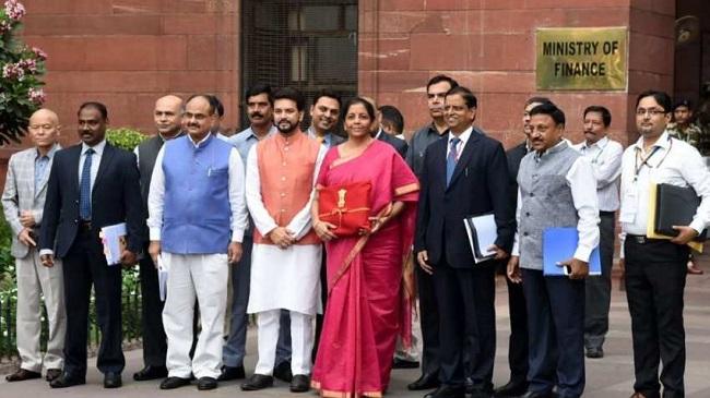 Union Budget 2019ः निर्मला सीतारमण की टीम के वो 6 दिग्गज जिन्होंने तैयार किया बजट