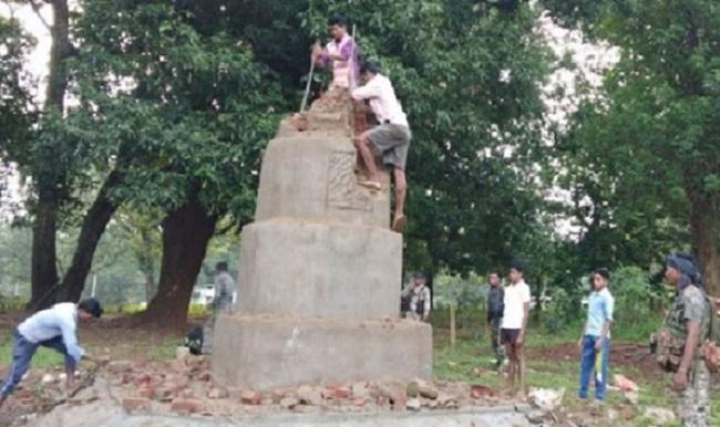 naxal, chhattisgarh, dantewada, DRG jawan, DRG jawans raids in Naxal meeting, 5 naxalites arrests, sirf sach, sirfsach.in