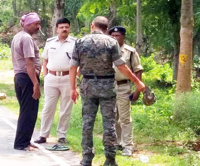 झारखंड: नक्सलियों की गिरफ्त में कंस्ट्रशन कंपनी का गार्ड, 3 दिन बाद भी नहीं मिला सुराग