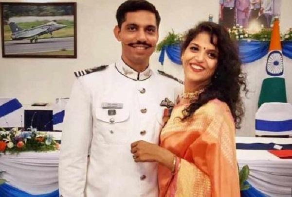 शहीद स्क्वाड्रन लीडर समीर अबरोल की पत्नी ज्वॉइन करेंगी इंडियन एयरफोर्स