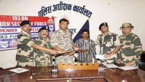 3 इनामी समेत 5 नक्सलियों ने डाले हथियार, छत्तीसगढ़ पुलिस को बड़ी सफलता