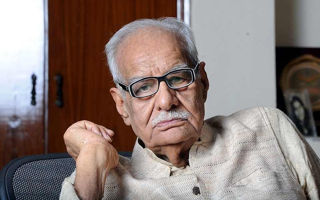 Kuldeep Nayyar, कुलदीप नैयर, कुलदीप नैयर पुस्तकें, कुलदीप नैयर india after nehru, बियॉन्ड द लाइन्स एन ऑटोबायोग्राफी, Kuldeep Nayyar, kuldip nayar death, kuldip nayar books pdf, sudhir nayar, kuldip nayar articles, scoop! : inside stories from the partition to the present, india after nehru, kuldip nayar last book, rajiv nayar, sirf sach, sirfsach.in, सिर्फ सच