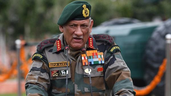 Article 370 हटने के बाद पहली बार घाटी पहुंचे आर्मी चीफ, सुरक्षा का लेंगे जायजा
