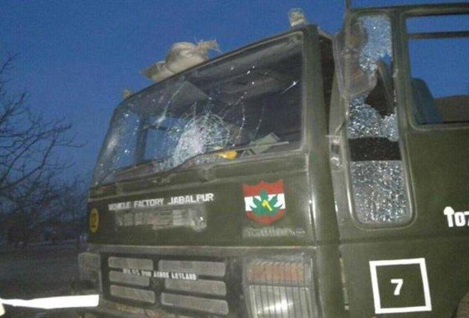 जम्मू कश्मीर: शोपियां मुठभेड़ में एक जवान शहीद, सेना ने आतंकियों को घेरा