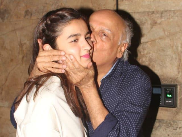 महेश भट्ट ने अपनी ही बेटी को किया था स्मूच, पूजा भट्ट से थी शादी की इच्छा