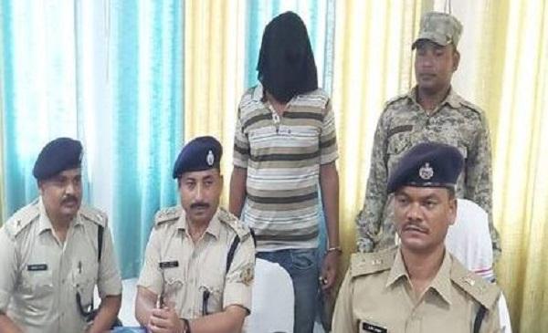 झारखंड: पलामू से एक लाख का इनामी नक्सली गिरफ्तार, 8 वारदातों का है मुख्य आरोपी