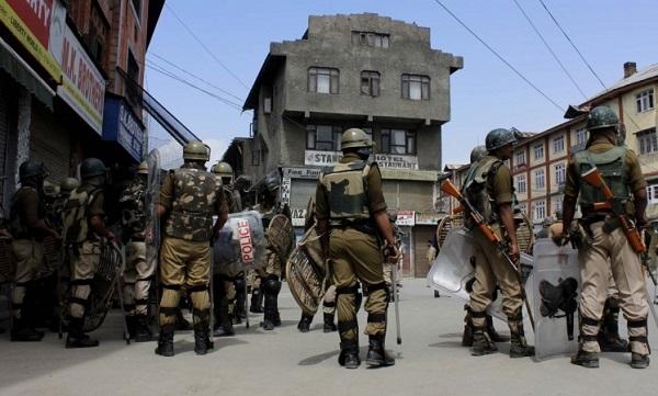 जम्मू-कश्मीर: सोपोर में आतंकी हमला, एक बच्ची समेत 4 लोग घायल