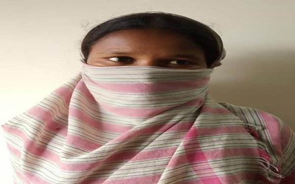 women naxalite,accused,Robbery,arrested,crpf, police, sirf sach, sirfsach.in, महिला नक्सली, बीजापुर पुलिस, जिला बल, सीआरपीएफ, उसूर थाना, न्यायालय बीजापुर, लूट, सिर्फ सच