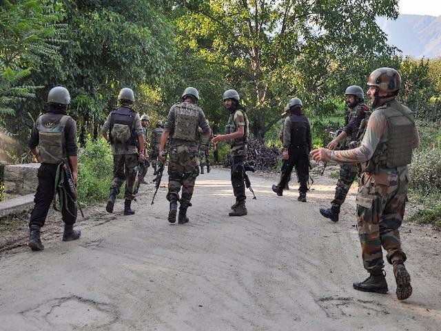 Awantipora Encounter: सुरक्षाबलों ने एक आतंकी को मार गिराया, सर्च ऑपरेशन जारी