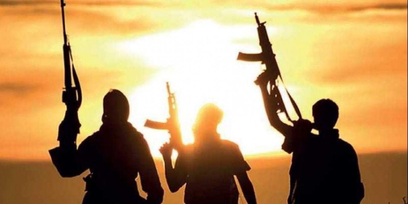 """आतंकियों को ISI का फरमान, """"कश्मीरी सेव दिल्ली पहुंचाओ और ट्रिगर दबाओ"""""""