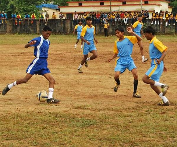 Chhattisgarh: नक्सल प्रभावित इलाके के बच्चों का भविष्य संवार रहा बीएसपी