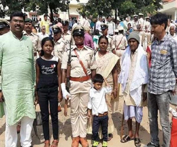 झारखंड: कारगिल शहीद की बेटी बनी दारोगा, पिता की शहादत पर लिया था देश सेवा का संकल्प
