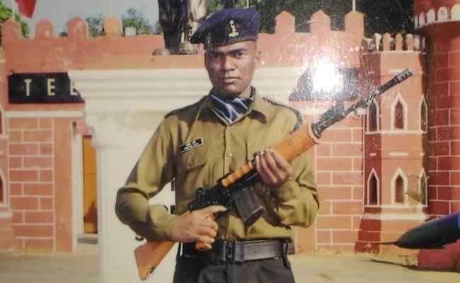 'एक के बदले 100 मारो', जम्मू-कश्मीर में शहीद हुए BSF जवान का शव देख  फूटा परिवार वालों का गुस्सा
