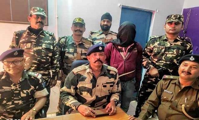 बिहार: मोतिहारी में फरार नक्सली चढ़ा पुलिस के हत्थे, कई हिंसक घटनाओं को दे चुका है अंजाम