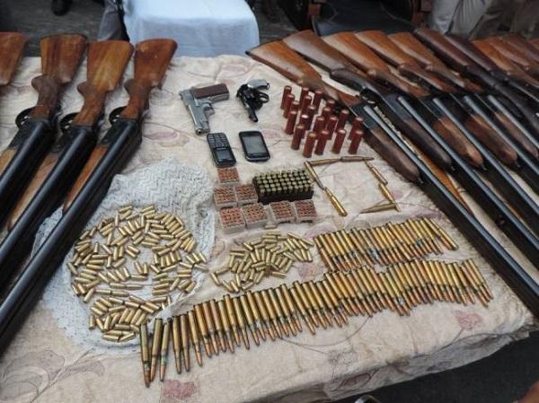 Bihar: नक्सली रच रहे बड़े हमले की साजिश, मुंगेर (Munger) से भारी मात्रा में हथियार बरामद