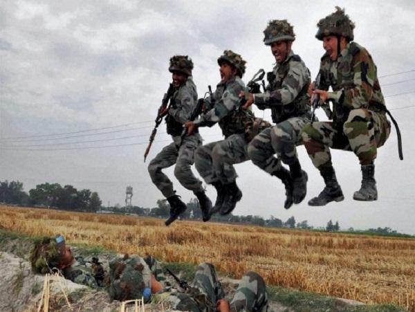 पाकिस्तानी सीमा के पास भारत ने दिखाई अपनी ताकत, 40 हजार जवान कर रहे युद्धाभ्यास