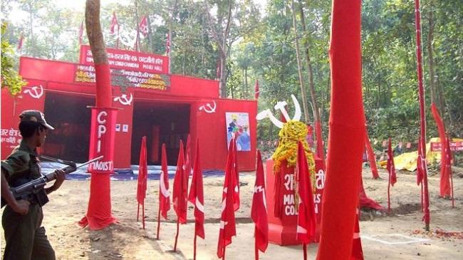 Jharkhand: अब नहीं रहा खौफ! नक्सली इलाकों में आम लोग कर रहे वोट देने की अपील