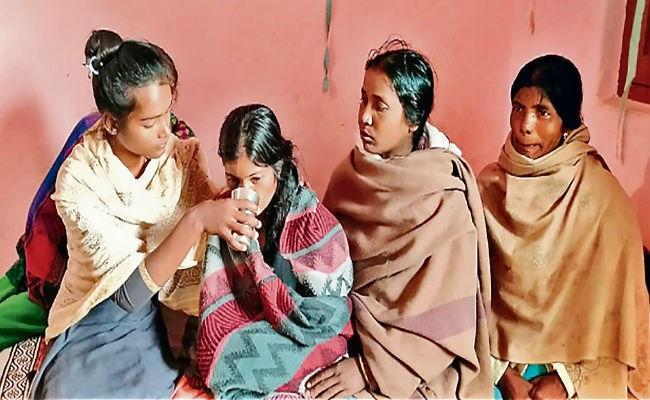 Jharkhand: लातेहार नक्सली हमले में शहीद जवान की बेटी ने पूछा सवाल, 'मेरे पिता का क्या कसूर था?'