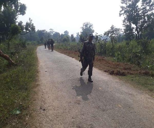 Jharkhand: सरायकेला-खरसावां में मुठभेड़, एक नक्सली ढेर, 2 नक्सलियों को लगी गोली