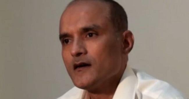 कुलभूषण जाधव (Kulbhushan Jadhav) मामले में बैकफुट पर आया पाकिस्तान, कानून में बदलाव कर दे सकता है अपील का हक
