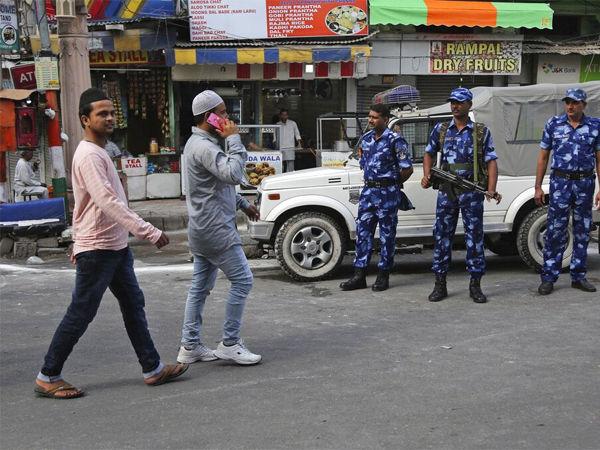 कश्मीर में दुकानें जलाने की कोशिश, लोगों ने साजिश को किया नाकाम