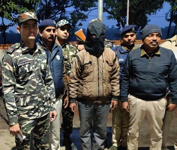 बिहार: वैशाली से नक्सली गिरफ्तार, पुलिस को चकमा दे हो गया था फरार